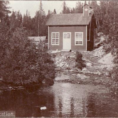 Juli 2009. Kan detta vara Örträsk kraftstation? Fotoägare: Albertsson/Frigren