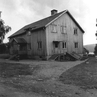 Juli 2020. Östra Örträsk. Församlingssalen. Foto: Evert Larsson, folklivsforskare, konstnär och konservator som levde mellan åren 1898 - 1964.